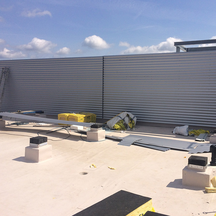 Industriehalle im Aufbau